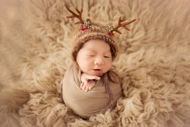 为什么新生儿出生的个月很乖,满月后就开始哭闹了?︱育儿